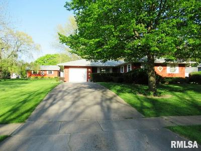 405 4TH AVE, Clarence, IA 52216 - Photo 2