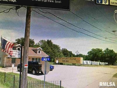 704 N 7TH ST, Riverton, IL 62561 - Photo 1