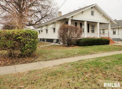 209 W POPLAR ST, Taylorville, IL 62568 - Photo 2