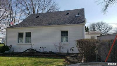 2105 4TH ST, Moline, IL 61265 - Photo 2