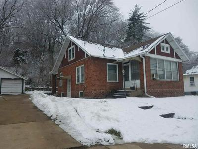 202 JOHNSON ST, East Peoria, IL 61611 - Photo 2
