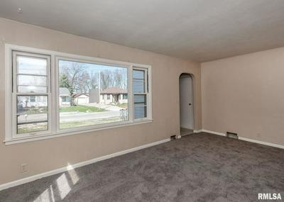 1122 22ND AVE, SILVIS, IL 61282 - Photo 2