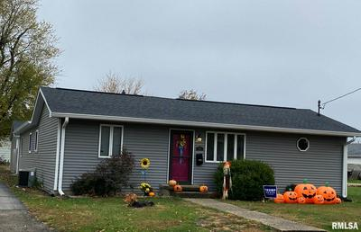 1216 W PRAIRIE ST, Taylorville, IL 62568 - Photo 1