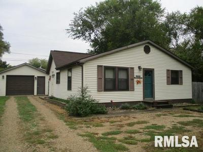 14605 N EDGEWATER DR, CHILLICOTHE, IL 61523 - Photo 1