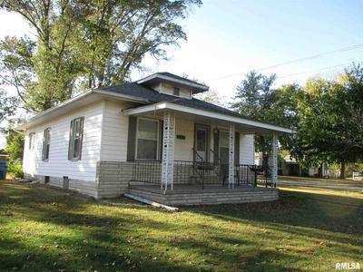 109 N STOTLAR ST, Benton, IL 62812 - Photo 1