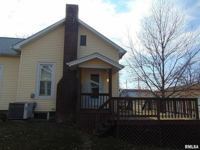 322 N 11TH ST, Murphysboro, IL 62966 - Photo 2