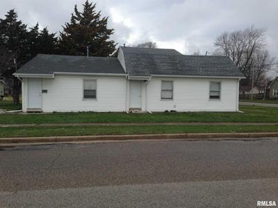 1345 E CARROLL ST # 2, Macomb, IL 61455 - Photo 2