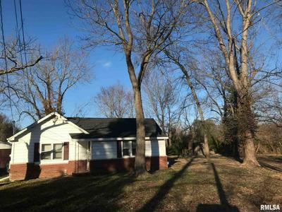1 AHORN DR, Murphysboro, IL 62966 - Photo 2