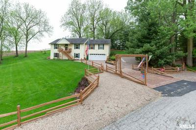 137 S PARK AVE, Geneseo, IL 61254 - Photo 2