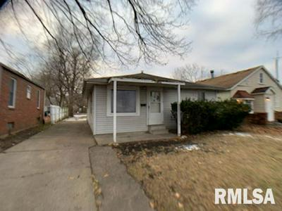 2731 S WHITTIER AVE, Springfield, IL 62704 - Photo 2