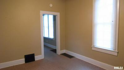 608 W WOODBURY ST, Macomb, IL 61455 - Photo 2