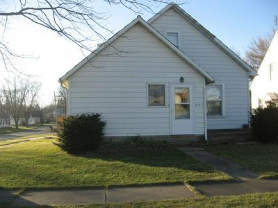 201 N FRANKLIN ST, Roanoke, IL 61561 - Photo 1