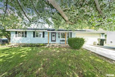 304 JAMES PKWY, Washington, IL 61571 - Photo 1