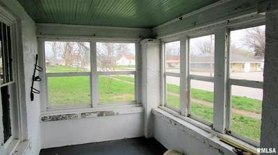 1014 W MAIN ST, OLNEY, IL 62450 - Photo 2