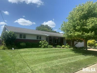 100 LYNN ST, Washington, IL 61571 - Photo 1