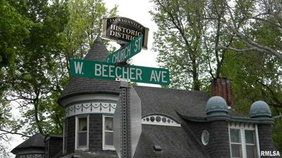 401 W BEECHER AVE, Jacksonville, IL 62650 - Photo 2