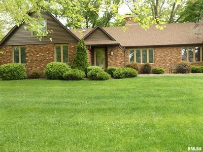 13 MARION PT, Pekin, IL 61554 - Photo 2