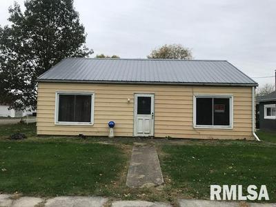 715 MAIN ST, Fairview, IL 61432 - Photo 2