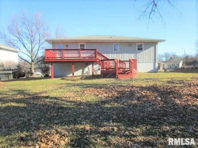 401 PECAN ST, Pekin, IL 61554 - Photo 2