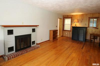 401 ARNOLD RD, East Peoria, IL 61611 - Photo 2