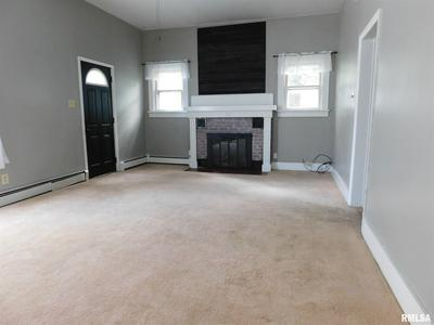 428 N HIGH ST, Carlinville, IL 62626 - Photo 2