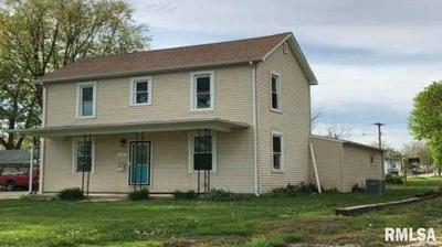 421 W SOUTH 1ST ST, Shelbyville, IL 62565 - Photo 1