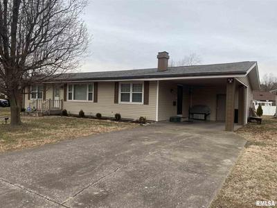 2034 HAMILTON ST, Murphysboro, IL 62966 - Photo 2