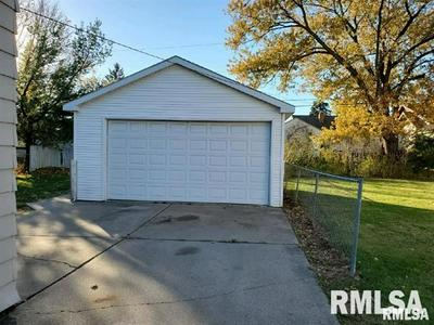 3119 N ISABELL AVE, Peoria, IL 61604 - Photo 2