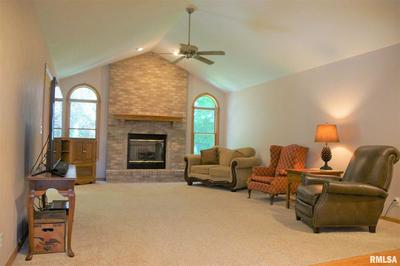 150 FAWN HAVEN DR, East Peoria, IL 61611 - Photo 2