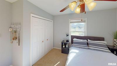 1736 W HOMEWOOD AVE, Springfield, IL 62704 - Photo 2