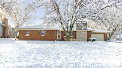216 INDIAN CIR, East Peoria, IL 61611 - Photo 1