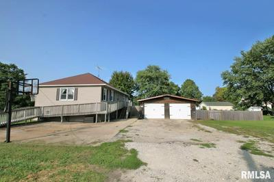 190 S HEATON ST, Farmington, IL 61531 - Photo 2