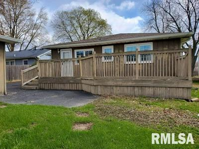 626 17TH ST, Silvis, IL 61282 - Photo 2
