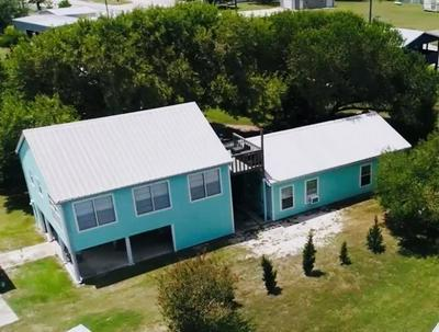 31 S BLACKBURN AVE, Port Lavaca, TX 77979 - Photo 1