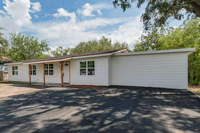 843 BOOTY ST, SINTON, TX 78387 - Photo 1