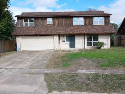 736 W BORDEN ST, SINTON, TX 78387 - Photo 1