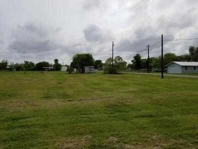 412 BAY ST, Austwell, TX 77950 - Photo 1