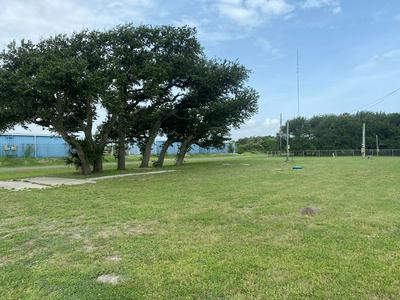 1715 S DOUGHTY ST, ROCKPORT, TX 78382 - Photo 2