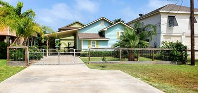 928 S LIVE OAK ST, ROCKPORT, TX 78382 - Photo 2