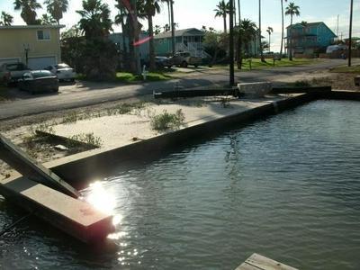 511 S SANDPIPER, Ingleside On The Bay, TX 78362 - Photo 1