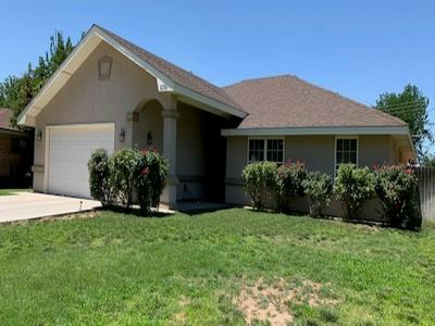 2304 CARVER DR, Roswell, NM 88203 - Photo 2