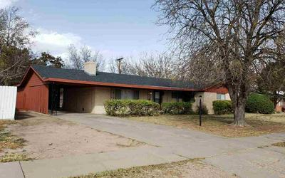 607 S ADAMS DR, Roswell, NM 88203 - Photo 1