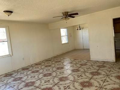 5003 S LEA AVE, Roswell, NM 88203 - Photo 2