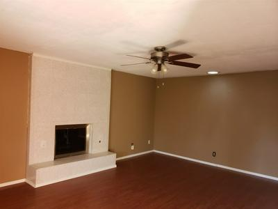 701 BROKEN ARROW RD, Roswell, NM 88201 - Photo 2