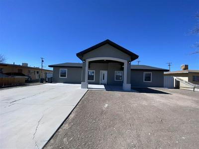 302 S EVERGREEN AVE, Roswell, NM 88203 - Photo 2