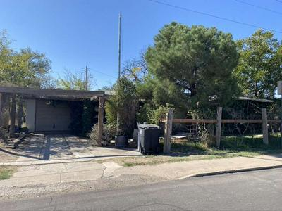 3 E WELLS ST, Roswell, NM 88203 - Photo 2