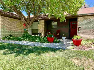 879 SWINGING SPEAR RD, Roswell, NM 88201 - Photo 2