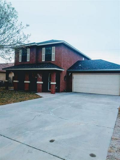 1307 SUNSET PL, Roswell, NM 88203 - Photo 1