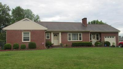 426 CAMERON DR, Vinton, VA 24179 - Photo 2