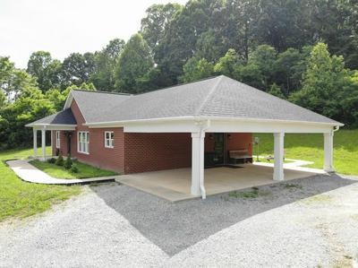 1064 LITTLE CATAWBA CREEK RD, Troutville, VA 24175 - Photo 2